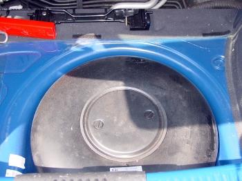 VW-Fox-Gasanlage-Reserveradmuldentank