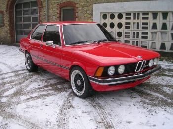 BMW 323 i (E 21)